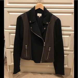 Aritzia Wilfred Moto Jacket Black/Khaki Size 6.
